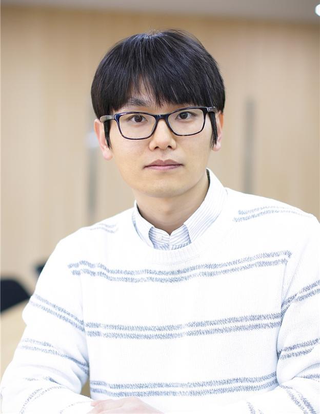 박진홍 교수